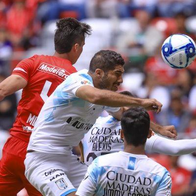 Triunfa Gallos en Toluca 2-0
