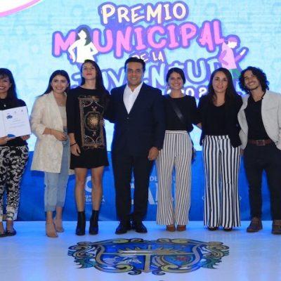 Entregan Premio Municipal de la Juventud 2019