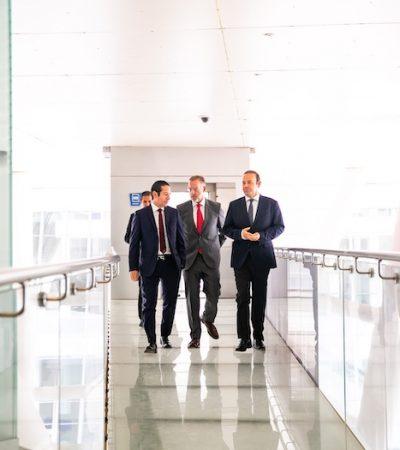 Reconoce Gobernador impulso de los profesionistas a la economía queretana