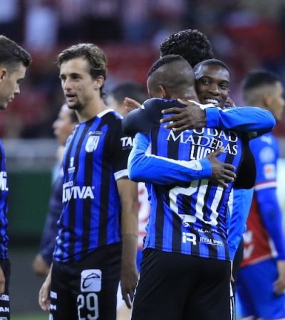 Con boleto para liguilla, Gallos pierde 3-2 ante Chivas