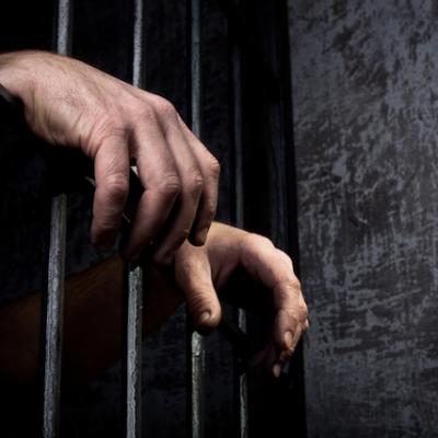 Senadores buscan regular trabajo en centros penitenciarios