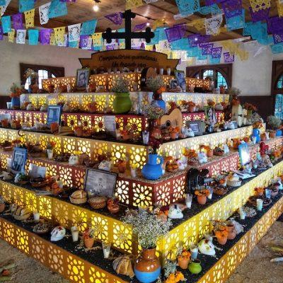 Los elementos del altar de muertos