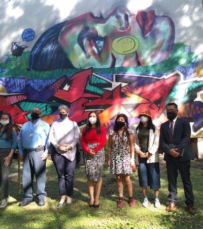 Inauguran murales feministas en la UAQ