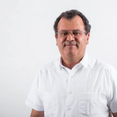 Gilberto Herrera se registra como aspirante a la gubernatura