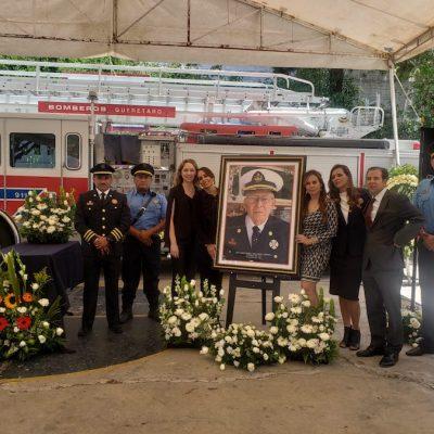 El H. Cuerpo de Bomberos de Querétaro  brinda despedida a David Vallarino Capmbell
