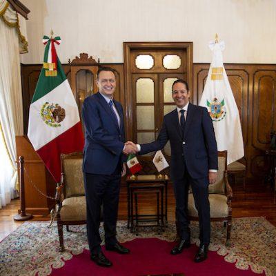 Recibe Francisco Domínguez a Mauricio Kuri, gobernador electo de Querétaro