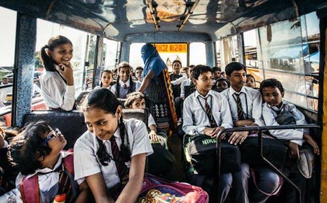 Autobús escolar – Rodolfo Lira Montalbán