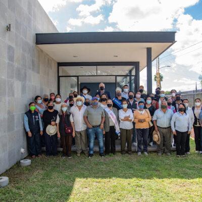 Enrique Vega entrega casa del adulto mayor en Cerrito Colorado