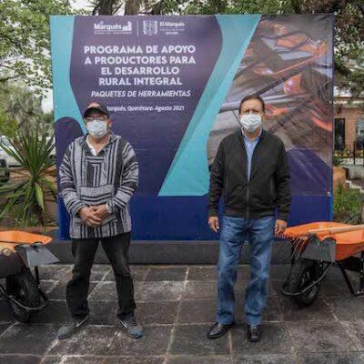 Municipio de El Marqués entrega apoyos productores