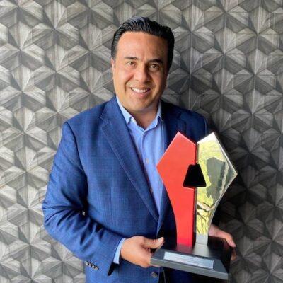 Recibe Luis Nava Premio por Mejores Prácticas de Gobiernos Locales